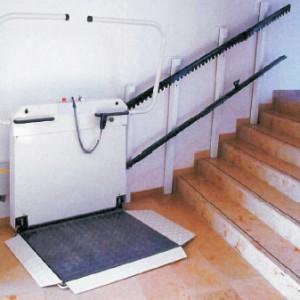 Přímé schodišťové plošiny